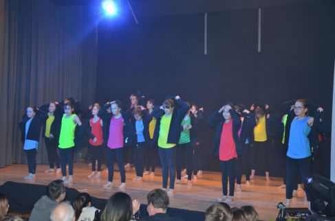 6_meitli_gross_dance-club-7